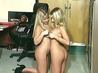 http%3A%2F%2Fxhamster.com%2Fmovies%2F3095542%2Fthe_twins_belinda_and_jo_burton.html