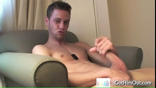 Dude Jerking And Cums In His Own Face