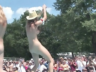 Freaky Dilettante Hookers Love Being Perverted And Bare Open-air</a>