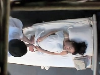 Japanese Woman get a massage and a fuck I