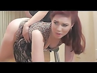 Sexy redhead with bubble butt