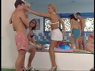 Incroyable Babe Allemand Sex Groupe Piscine
