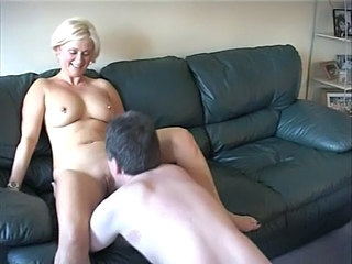 Amateur Blonde British Licking Mature Natural