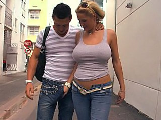 Store bryster Jeans MILF offentlig