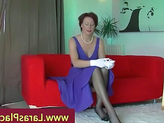 Amateur Brunette Mature Pantyhose