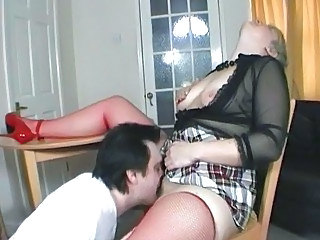 Short haired UK MILF gets her pussy eaten out