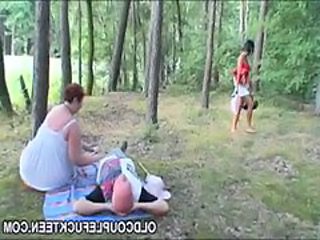 Amateur Older Outdoor Threesome