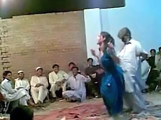Afghani old guy funny sexy dance with hot shemale Ghazala