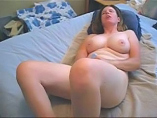 Big Tits Brunette Chubby Masturbating MILF Mom