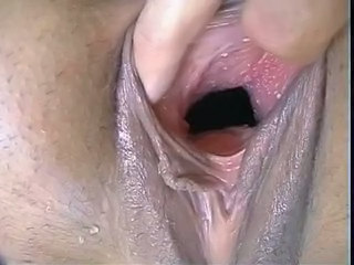 Close up Pissing Pussy