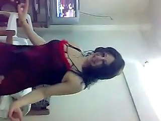 Amateur Arab Dancing MILF