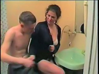 Amateur Bathroom Homemade Sister