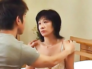 Chinese Mature Mom