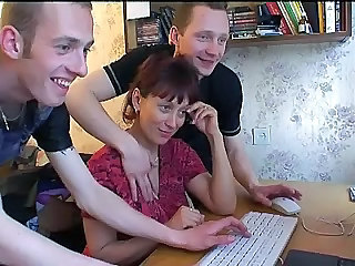 Amateur Mature Mom Redhead Russian Threesome