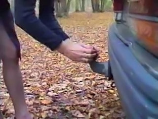 Amateur Insertion MILF Outdoor