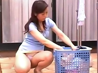 Asian Japanese MILF Upskirt