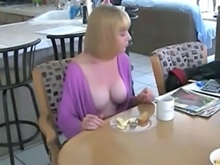 Amateur Big Tits Kitchen Mom