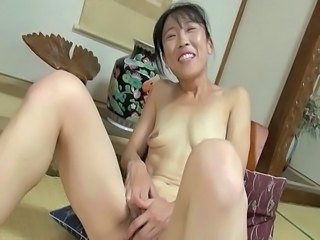Amateur Asian Japanese Masturbating Mature