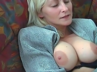Onani / Masturbasi MILF Normal