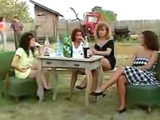 Drunk Farm Groupsex MILF Outdoor Vintage