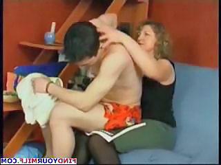 Amateur Chubby Mature Mom Old and Young