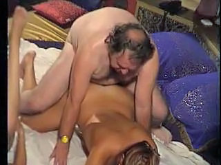 Amateur Daddy Daughter Doggystyle Old and Young Threesome
