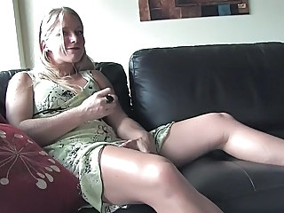 Amateur Blonde Masturbating MILF