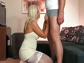Blonda Grasuta Europeana German MILF Ciorapi