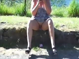 Amateur Outdoor Upskirt