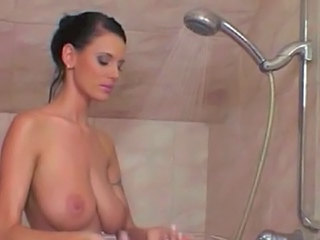 Brunette MILF SaggyTits Showers