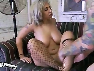 Babe Big Tits Chubby Fishnet Goth Natural Tattoo