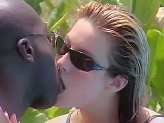 Interracial Kissing MILF Outdoor