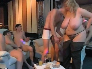 BBW Big Tits Blonde Groupsex Mature Natural Old and Young Party