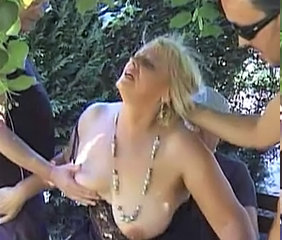 Gangbang Mature En plein air