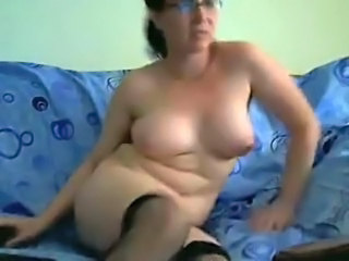 Chubby Glasses MILF Webcam