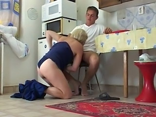 Blowjob European French Kitchen Mature Mom Old and Young