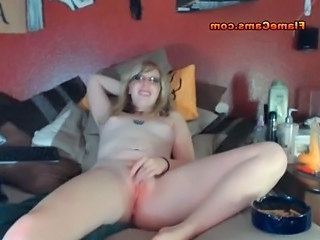 video-drochat-i-konchayut-porno