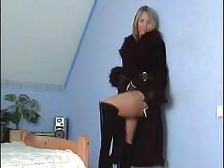Amazing Legs MILF Stockings