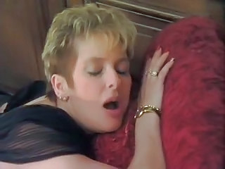 French MILF Orgasm