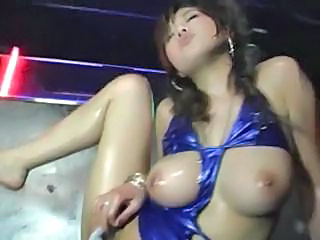 Asian Babe Bus Natural Oiled