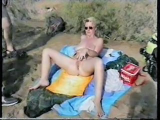 Amateur Beach Masturbating Mature Nudist Outdoor Swingers