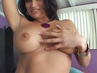 Cute Dancing MILF Natural Webcam