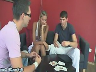 Game Teen Threesome
