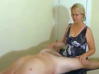 Amateur CFNM Glasses Handjob Mature