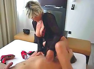 Big Tits Facesitting Femdom Licking MILF