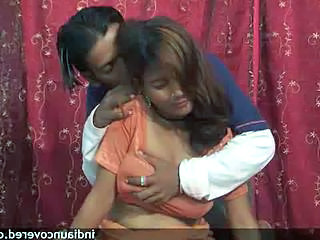 Amateur Indian Kissing