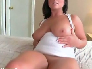 Babe Chubby Natural SaggyTits