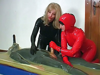 Dominante Vrou Fetish Rubber
