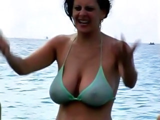 Amateur Beach Big Tits Bikini MILF Natural Outdoor