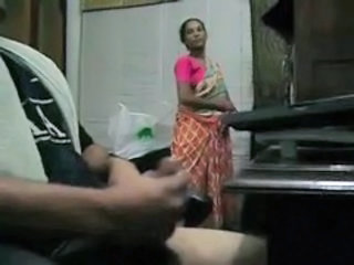 Amateur Handjob Indian Maid
